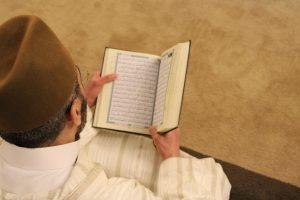 20 Sifat Kaum Munafik Yang Wajib Untuk Kita Hindari